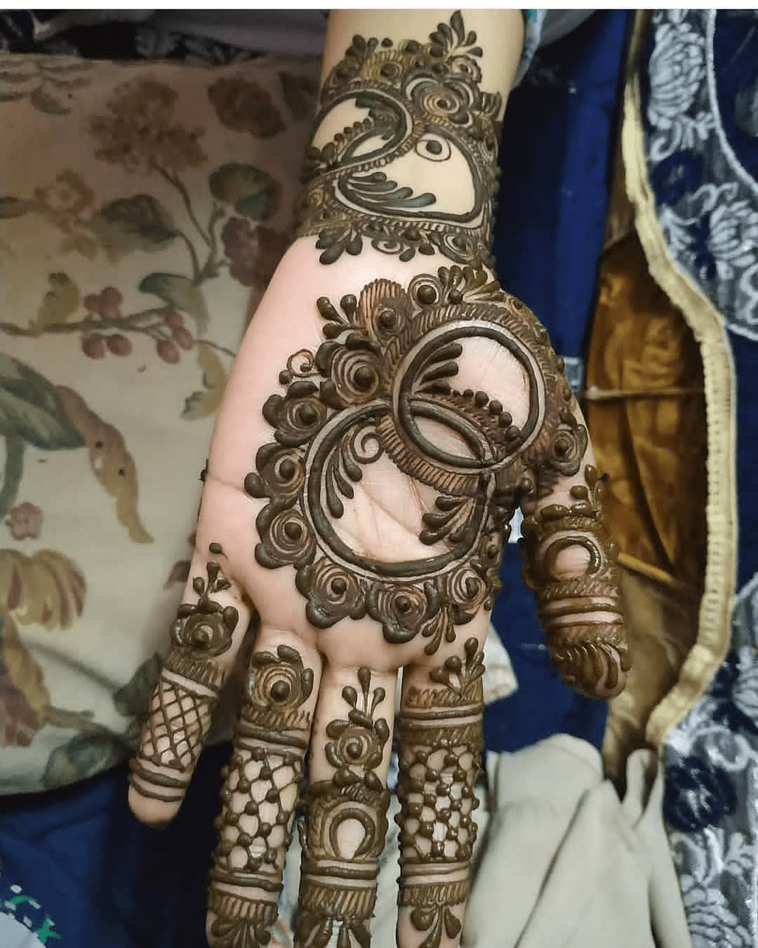 We are sharing the best 100 mehndi designs with beautiful simple mehndi designs for wedding, engagement, party, and festival, new mehndi design, easy mehndi design