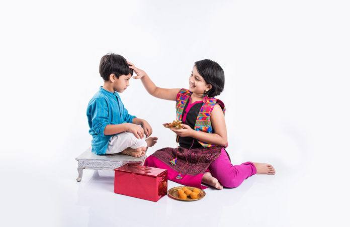 Bhai Dooj 2020 Date Time Pujan Vidhi Shubh Muhurat History and Importance of Festival   Bhaiya Dooj Know Why this Festival Celebrated Here are the Significance