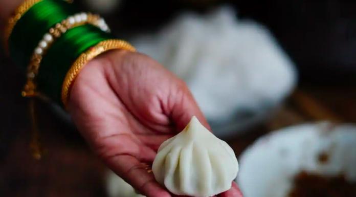 Best Collection of Ganesh Chaturthi 2021 Modak (Sweet) Quotes Shayari Status and Images for Bal Ganesha & Ganpati Bappa Also Share Whataspp FB Insta Twitter Reddit